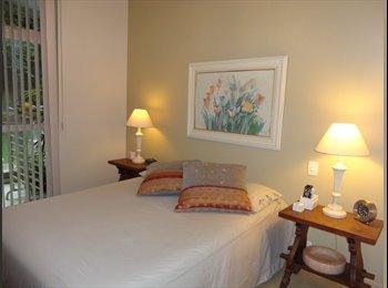 EasyQuarto BR - Suite de luxo com varanda para solteiro com cama de casal, Itanhangá - R$ 2.850 Por mês