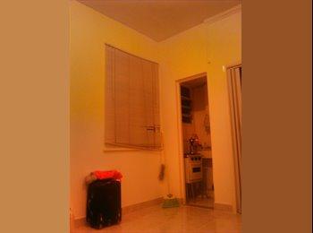 EasyQuarto BR - Divido apartamento de 1 quarto , Duque de Caxias - R$ 400 Por mês
