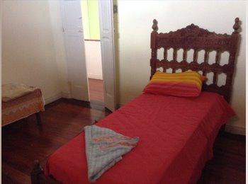 EasyQuarto BR - Silenciosa e charmosa casa, Salvador - R$ 500 Por mês