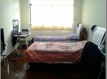EasyQuarto BR - Aluga-se quarto para estudante (sexo feminino), Juiz de Fora - R$ 550 Por mês