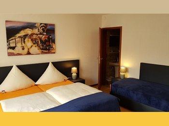 EasyWG DE - WG-Zimmer in Hotel - Zum 1.10. wird ein Zimmer frei., Ulm - 349 € pm