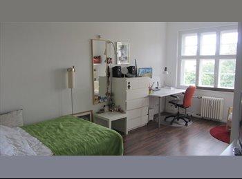 EasyWG DE - Sonnige 5 Zimmer Wohnung - Möbliert, komplette Einrichtung, alles vorhanden:, Berlin - 600 € pm