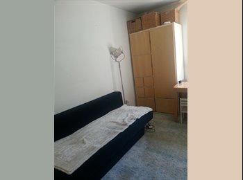 EasyWG DE - Ein Zimmer Wohnung mit schönen Garten, S 8  nähe Bogenhausenn, München - 425 € pm