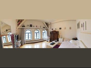EasyWG DE - 16qm-Zimmer in großer, wunderschöne Altbauwohnung - zentral gelegen, Köln - 447 € pm