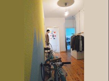 EasyWG DE - Female flatmate wanted - bright room in feel good WG, Berlin - 420 € pm