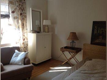 EasyWG DE - Zimmer + Bad in schönem Haus mit Garten (Walldorf), Frankfurt - 500 € pm