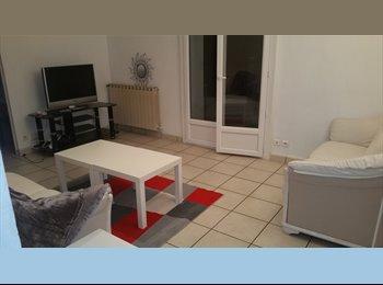 Appartager FR - f4 quartier hôpitaux facs, Montpellier - 400 € /Mois