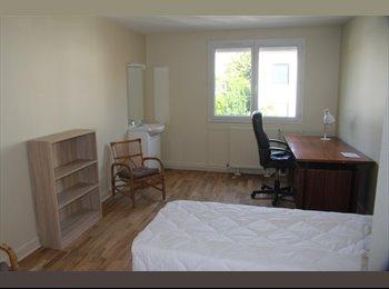 Appartager FR - Loue chambre meublée de 15 m² en colocation sur Cachan., Cachan - 510 € /Mois