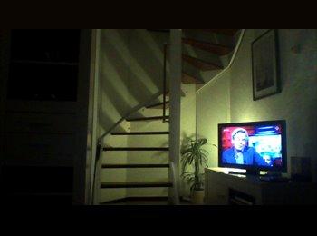 EasyKamer NL - Te huur zolderkamer - Huisgenoot gezocht , Nijmegen - € 450 p.m.