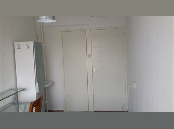 EasyKamer NL - 2 Rooms available now, Breda - € 350 p.m.