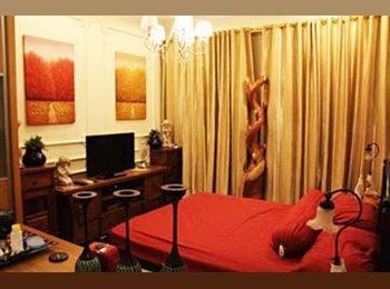 EasyRoommate SG - Central Spacious Masterbedroom with enclosed huge bathroom, Geylang - $1,700 pm