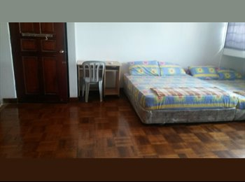 EasyRoommate SG - Spacious Room at Chinatown. MRT downstairs, Outram - $1,200 pm