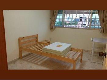 EasyRoommate SG - Bishan Blk 193 common room for rent, Bishan - $850 pm