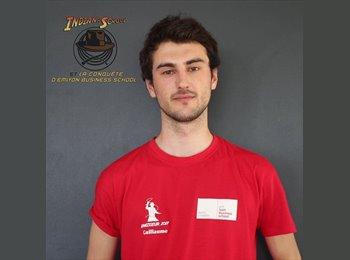 EasyRoommate SG - Guillaume - 21 - Serangoon