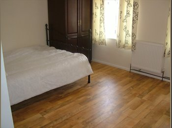 EasyRoommate UK - single rooms for rent in city centre, Wolverhampton - £450 pcm