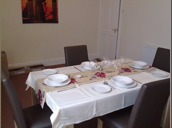 EasyRoommate UK - Double room in Bramley, close to train st, Bramley - £310 pcm