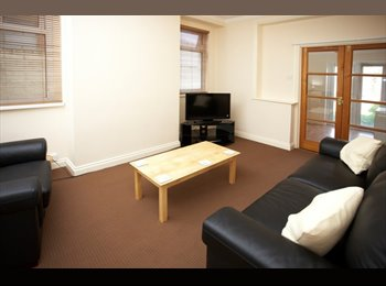 EasyRoommate UK - DOUBLE ROOM, ALL BILLS INC. NO DEPOSIT REQUIRED, Portsea Island - £500 pcm