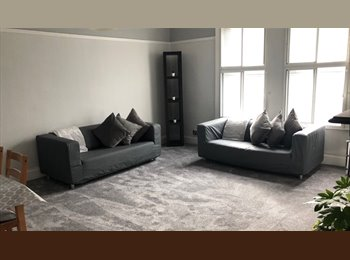EasyRoommate UK - 2 rooms remaining in 3 Bed Student Apartment Fully Furnished, Armley - £329 pcm