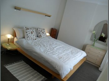 EasyRoommate UK - stylish, post-grad student house , Loughborough - £300 pcm