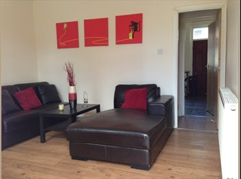 EasyRoommate UK - GREAT HOUSE, GREAT LOCATION, GREAT PRICE, BILLS IN, Hyde Park - £295 pcm