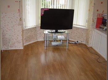 EasyRoommate UK - TWO ROOMS TO RENT, Harpurhey - £280 pcm