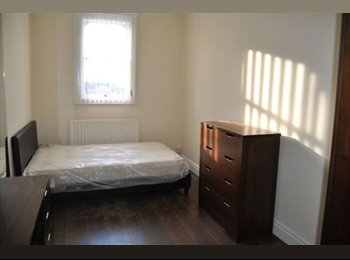 EasyRoommate UK -  fully furnsihed rooms-Liverpool city- great location- Leece Street L1, Liverpool - £410 pcm