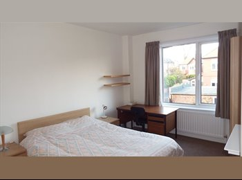 EasyRoommate UK - JESMOND, NEWCASTLE UPON TYNE:  DELIGHTFUL LARGE DOUBLE ROOM, Jesmond - £400 pcm