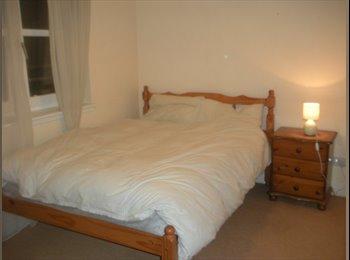 EasyRoommate UK - Holyrood double bedroom,, Edinburgh - £575 pcm
