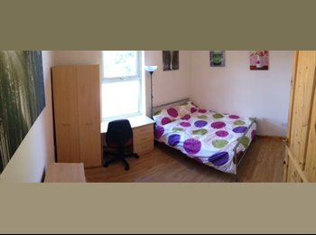 EasyRoommate UK - *ALL BILLS INCLUDED* Next to Sainsburys & The Park, Crookesmoor - £349 pcm