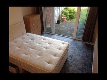EasyRoommate UK - Spacious Double Room In Great Houseshare, Northolt - £650 pcm