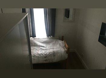 EasyRoommate UK - £320 PCM All Bills Included Females only (Shared Double Bedroom) £350 Deposit, Harlesden - £320 pcm