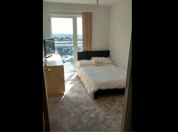 EasyRoommate UK - Modern double bedroom, , Basildon - £550 pcm