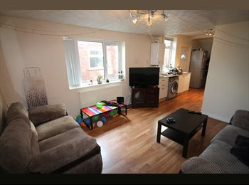 EasyRoommate UK -  EXCELLENT 6 BED SEMI DETACHED PROPERTY ON THE BORDER OF FALLOWFIELD & WITHINGTON!, Withington - £389 pcm