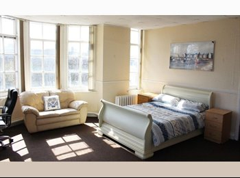EasyRoommate UK - SUNDERLAND CITY CENTRE ROOMS AVAILABLE NOW !!, Sunderland - £325 pcm