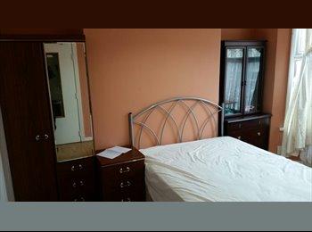 EasyRoommate UK - Student Accommodation , Adjacent to Liverpool University , bills included , Kensington - £270 pcm