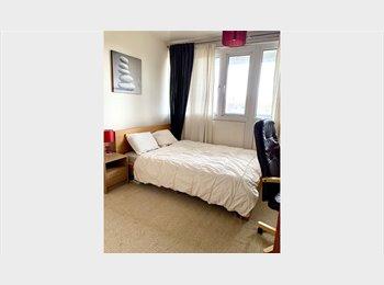 EasyRoommate UK - Bright and spacious double bedroom in maida vale, Kilburn - £880 pcm