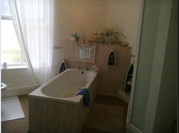 EasyRoommate UK - Large house in Oxton, Birkenhead - £360 pcm