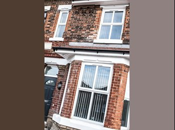 EasyRoommate UK - New high end room in great location - incl bills!, Warrington - £375 pcm