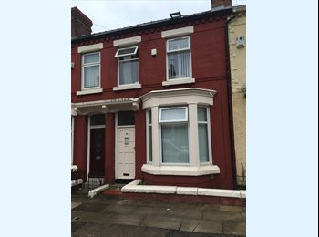 EasyRoommate UK - 3 Double Bedrooms Now Available For Rent , Fairfield - £300 pcm