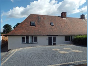 EasyRoommate UK - Wollaton - Large new house available - Ideal for NUH or UoN , Lenton - £350 pcm
