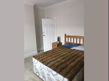 EasyRoommate UK - large double room , Grimsby - £400 pcm