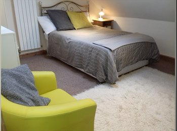 EasyRoommate UK - LONG/SHORT LETS /GREAT HOUSE NR SALFORD QUAYS, Salford - £420 pcm