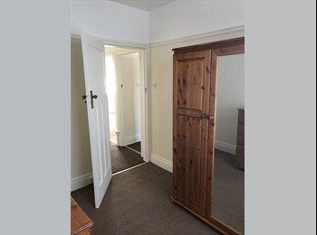 EasyRoommate UK - Double room , Fenham - £300 pcm
