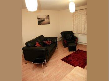 EasyRoommate UK - 2 Bedroom apartment, Thatcham - £950 pcm