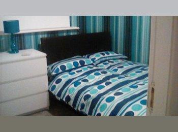 EasyRoommate UK - Double Bedrooms in shared house, Ashton-under-Lyne - £350 pcm