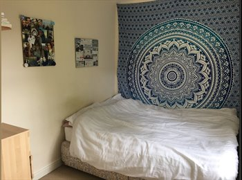 EasyRoommate UK - **URGENT** spacious double room available ASAP, Cheltenham - £405 pcm