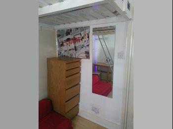 EasyRoommate UK - single room West Kensington , West Kensington - £634 pcm