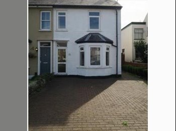 EasyRoommate UK - Double bedroom available in this house share on Coleridge road, Petersfield - £650 pcm
