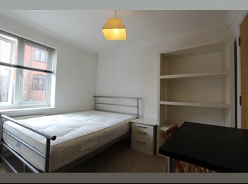 EasyRoommate UK - Modern double bedroom available now Safe area 15min from Bank, Limehouse - £700 pcm