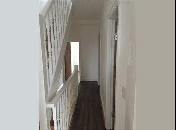 EasyRoommate UK - Room to Let- House Share, Chorlton-cum-Hardy - £350 pcm